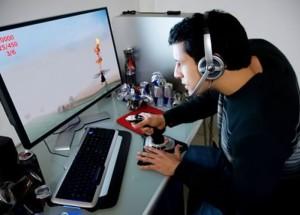 как-заработать-деньги-в-интернете-на-играх-300x215